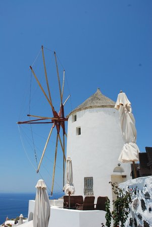 Astra Suites: Windmill in Oia