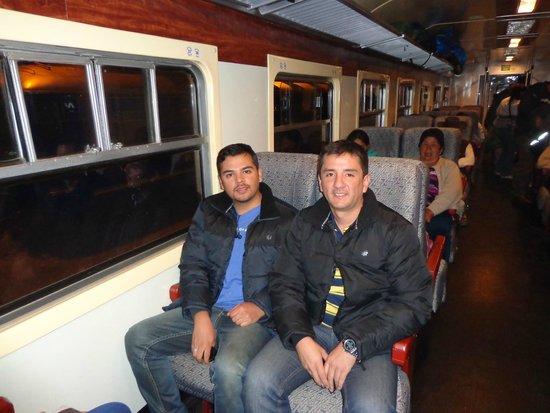 PeruRail - Expedition: En el tren local, rumbo a Machupicchu