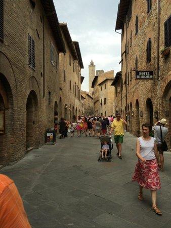 Tenuta Torciano Vineyards: Main Street San Gimignano