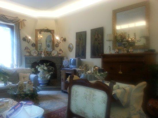 Casa Pontecorvi: il salone