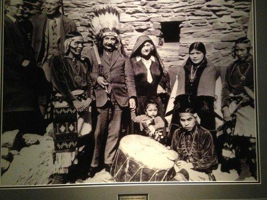 Best Western Premier Grand Canyon Squire Inn : Einstein visiting Arizona