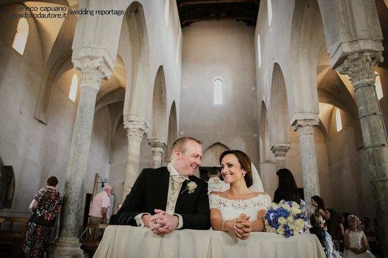 Wagner Day Tours: matrimonio chiesa Santa Maria a Gradillo Ravello fotografo enrico capuano