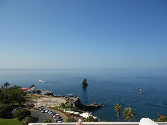Melia Madeira Mare Resort & Spa : Part of view from terrace