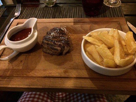 Gil's Little Bistro : Croatian steak