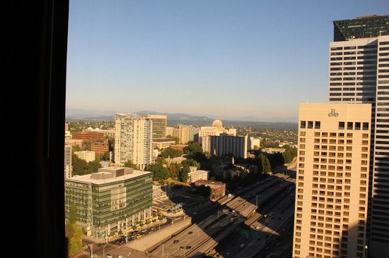 Crowne Plaza Seattle Downtown Area: room view  34 th floor