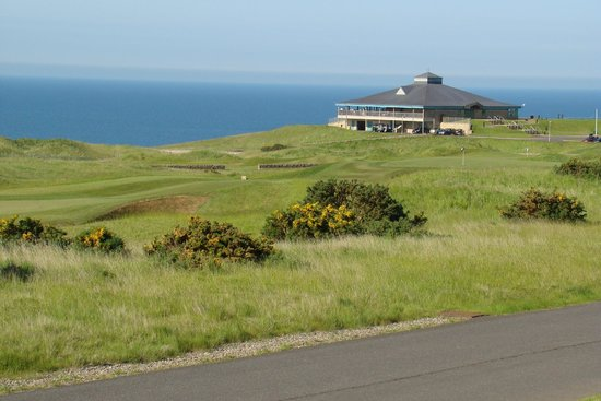 Fairmont St Andrews: Club House and views of the sea