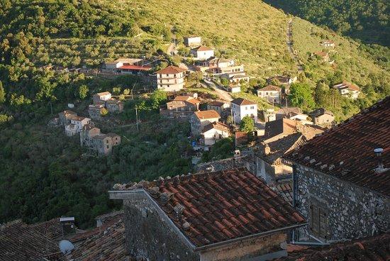 Casa Gregorio: Lower part of Village Castro De Volsci