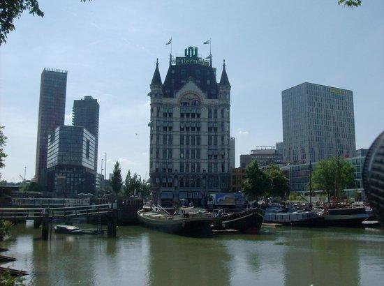 citizenM Rotterdam : Rondje langs de Oude Haven met oude en nieuwe architectuur
