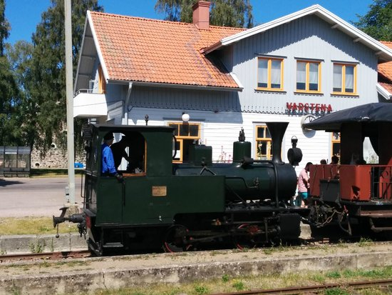 Vadstena, Svezia: Steam locomotive in Station