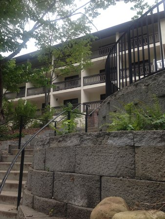 Helendorf River Inn and Conference Center: Steps go right down into the water!