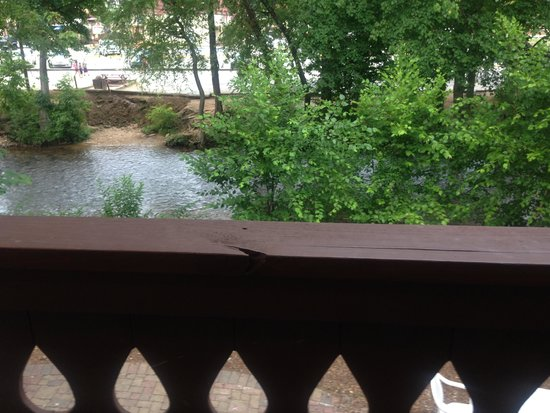Helendorf River Inn and Conference Center: View from balcony.