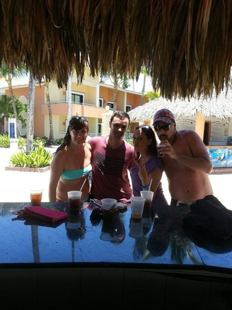 Grand Bahia Principe Turquesa: Barra piscina grande