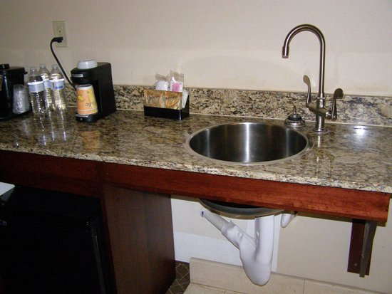 La Quinta Inn & Suites Ely: Wet bar