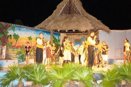 Islazul Villa La Mar : Вечернее шоу