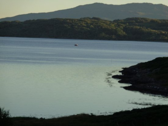 Loch Melfort Hotel and Restaurant: Dusk, from our veranda