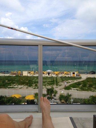 Hilton Cabana Miami Beach: view from 3rd floor pool