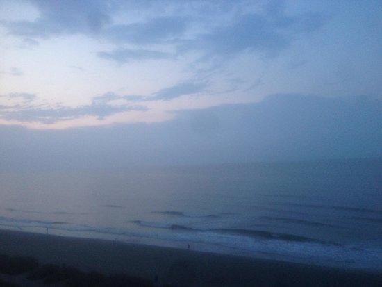 Compass Cove Oceanfront Resort : Sunset