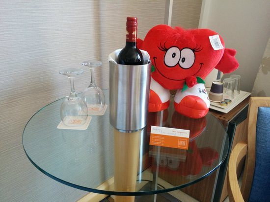 Central Athens Hotel: Hotel Gifts