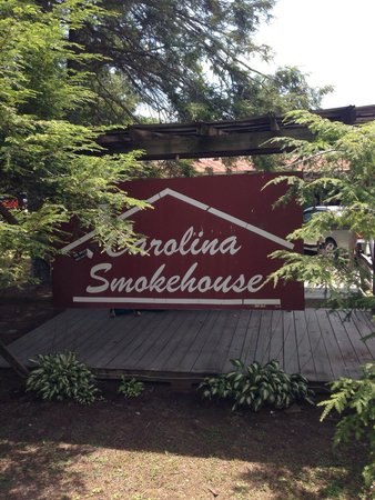 Carolina Smokehouse : Entrance