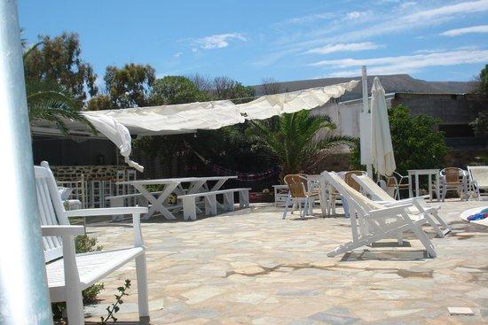 Hotel Onira : bar aan het zwembad