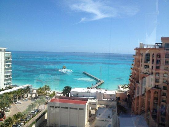 Aloft Cancun: View from roof garden