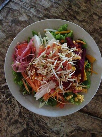 Yellow Flower Cafe: salad