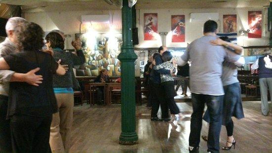 Mercado de la Abundancia: Joven Tango