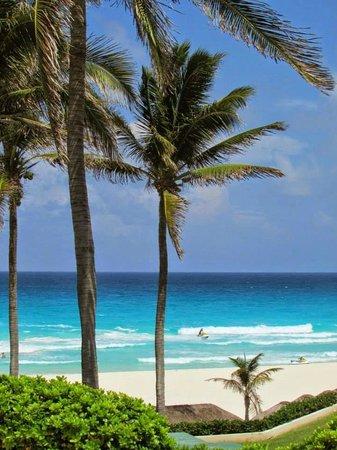 Omni Cancun Resort & Villas: Gorgeous ocean and beach