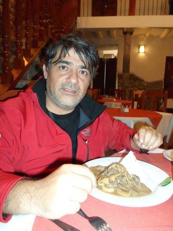 Hotel Sueños del Inka: Cenando algo