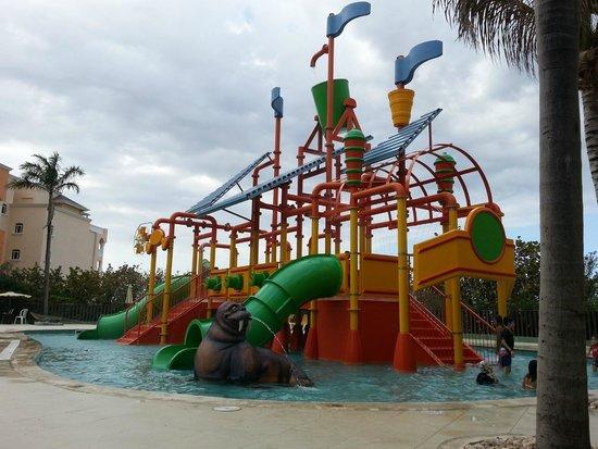 Iberostar Rose Hall Suites : piscina niños
