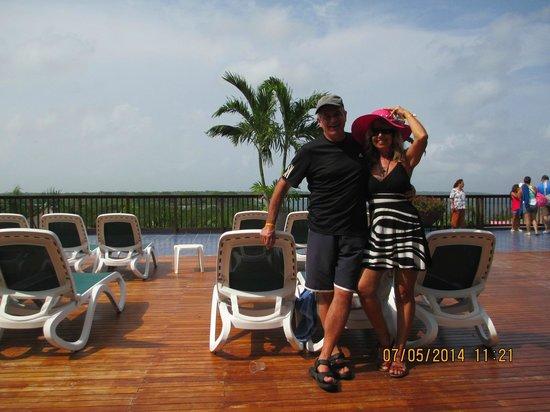 Royal Decameron Barú: Terrazas del hotel con vista a la playa