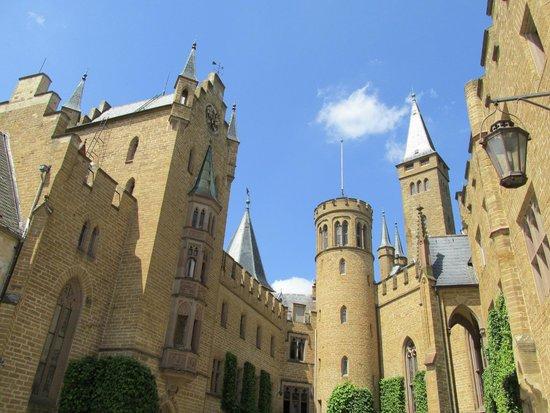 Burg Hohenzollern: Courtyard