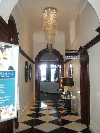 The Atlantic Hotel: Breakfast room entrance