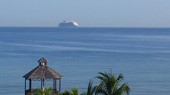 Secrets Wild Orchid Montego Bay : Cruise ship coming into port at Montego Bay
