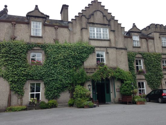 Ballynahinch Castle Hotel: Front View
