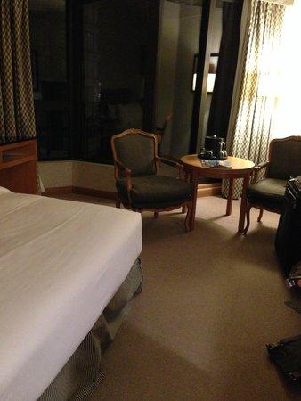 Metropolitan Hotel Vancouver : Seating area