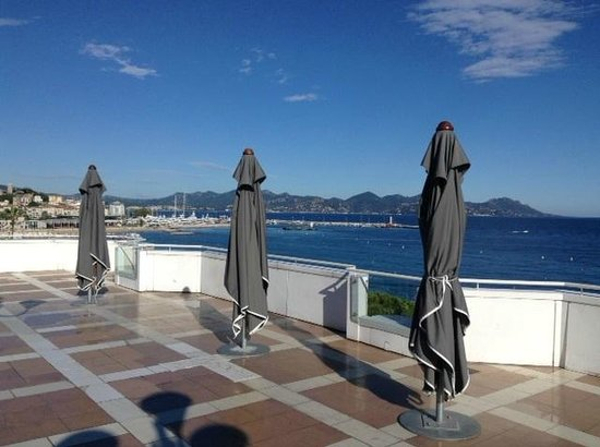 JW Marriott Cannes: Pool rooftop view