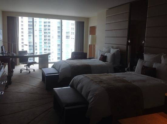 JW Marriott Marquis Miami: Room