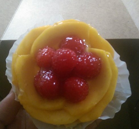 Gourmandise The Bakery: Mango Raspberry Tart