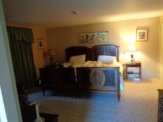 Lynnfield Hotel: Our bedroom