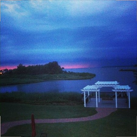 Holiday Inn Express Kent Island: sunset view right from our window.