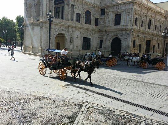 Hotel Alcantara: A seulement 300 mètres de l hotel, la cathédrale de Séville !