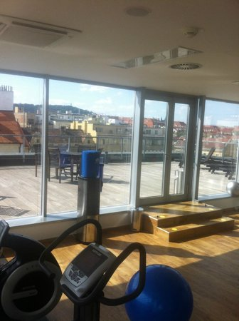 Park Inn Hotel Prague : gym and roof terrace