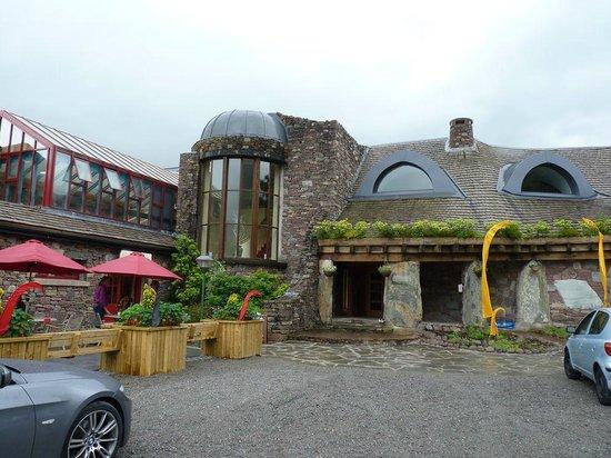 Delphi Resort : Outside view