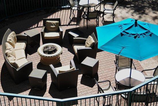 Quality Suites San Luis Obispo: Firepit