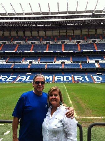 Stadio Santiago Bernabeu : Me and my girl at Bernabeu