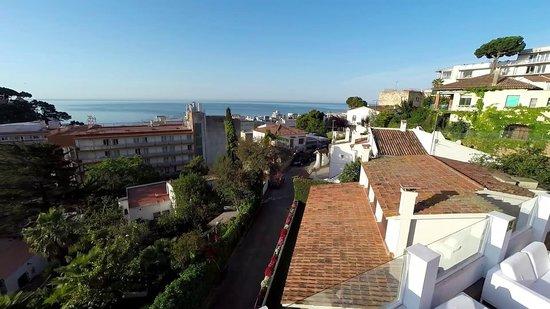 Sun Village : Vistas al mar