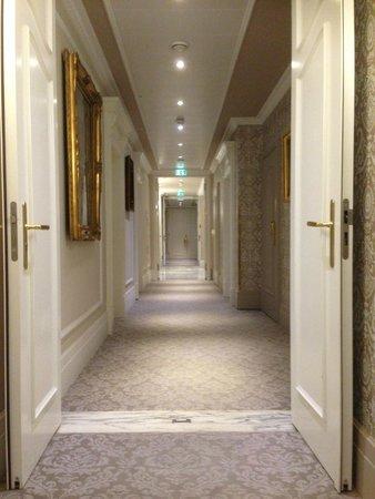 Hotel Sacher Wien: Hotelflur