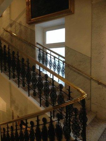 Hotel Sacher Wien: Treppenhaus