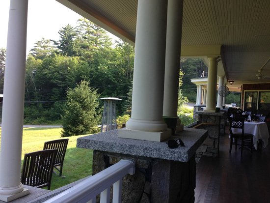 The Inn at Thorn Hill & Spa: Outside dining area